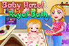 Bébé Hazel prend un bon bain