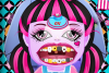 Draculaura chez le Dentiste