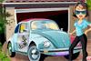 Tina et sa nouvelle voiture