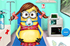 Fille Minion dans l'ambulance